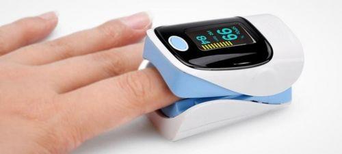 Saturimetro Fingertip Pulse Oximeter